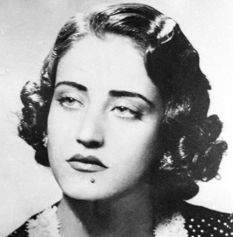 Asmahan, Egyptian singer and actress of Syrian origin, died in a mysterious car accident. Image source: Pinterest.com