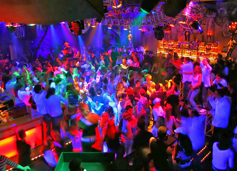 Rainbow colored party, image source: carrentingoa.com