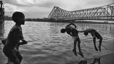 'Celebrating Diversity of Bengal': India's First Instagram Exhibition Thumbnail