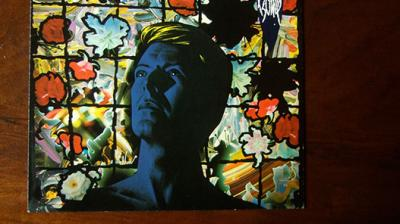 10 Songs To Get You Hooked To David Bowie Thumbnail