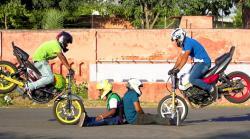 Ballet With Bikes - One Wheel Game Vide Thumbnail